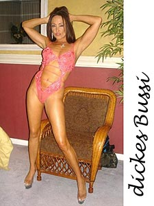 Latina Sarah, eine offene, humorvolle Single Lady