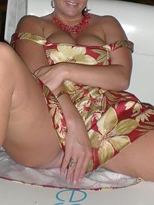 Elena mit großem Busen wünscht sich harten Schwengel